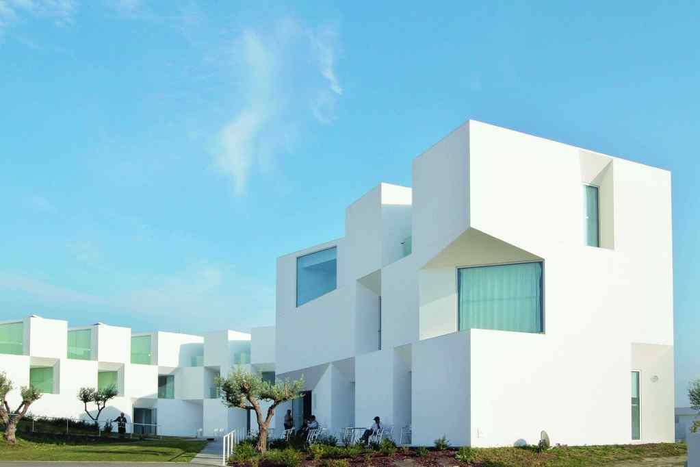 Portugal-House for Eldery- BENGRAF.COM.jpg